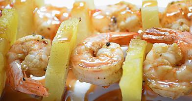 Greitai paruošiamos krevetės su ananasais orkaitėje