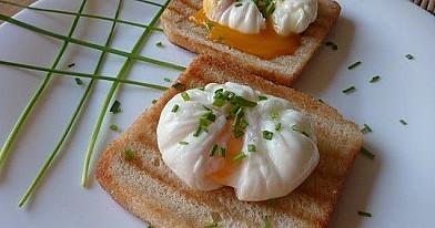 Pašot kiaušiniai arba virta kiaušinienė