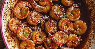 Karališkosios krevetės medaus padaže
