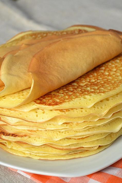Блины на кислом молоке, которые легко приготовить на завтрак