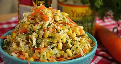 Салат из капусты с кукурузой, который легко приготовить