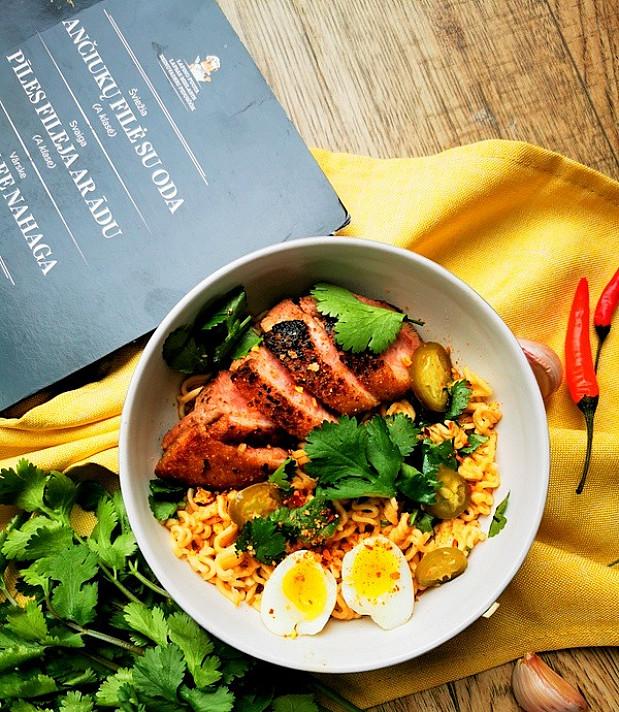 Antienos ir Ramen makaronų sriuba