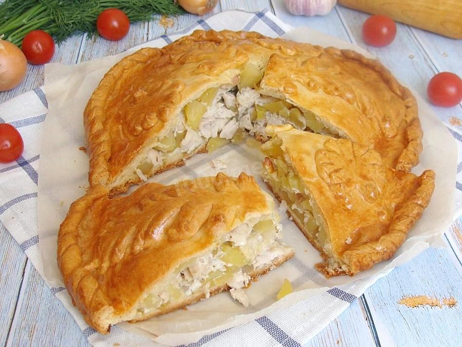 Kurnik - senovinis rusiškas pyragas su vištiena ir bulvėmis   Receptas