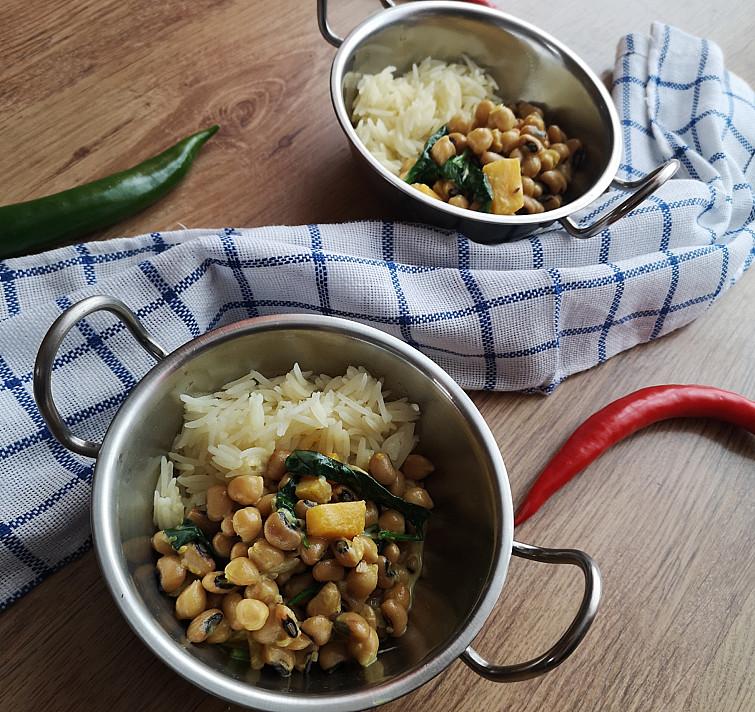 Sotus ir maistingas veganiškas avinžirnių ir pupelių troškinys su moliūgais