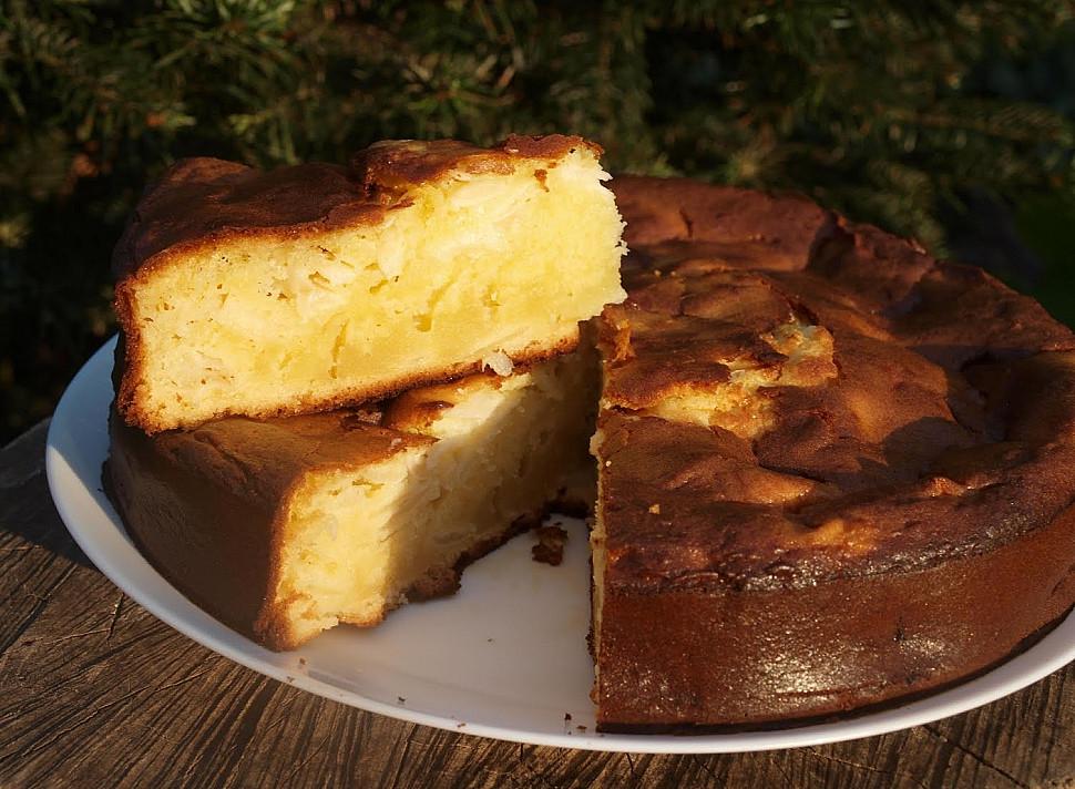 Яблочный пирог со сгущенным молоком быстрого приготовления