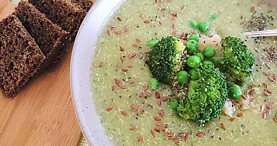 Веганский суп-пюре с брокколи и бельгийскими голубями