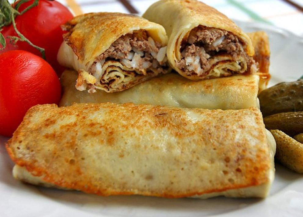 Фаршированные блинчики с мясом, жареные на сковороде