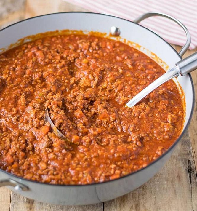 """Соус для пасты Болоньезе (Bolognese) и паста с мясным фаршем """"Tagliatelle al ragu"""""""