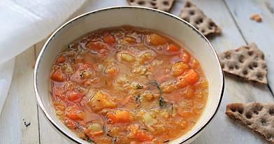Суп из тыквы, сладкого картофеля и битого гороха