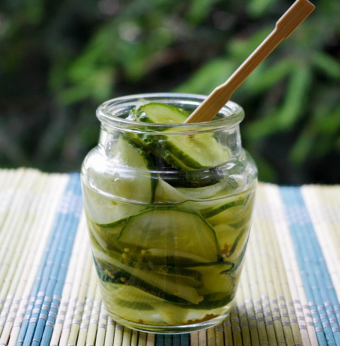 Traškūs - griežinėliais marinuoti agurkai su actu, svogūnais ir garstyčiomis