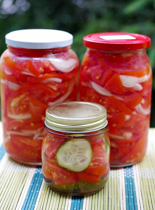 Su želatina marinuoti pomidorai