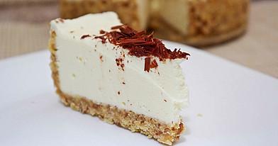 Pyragas su rikotos sūriu ir kondensuotu pienu (nekeptas sūrio pyragas)