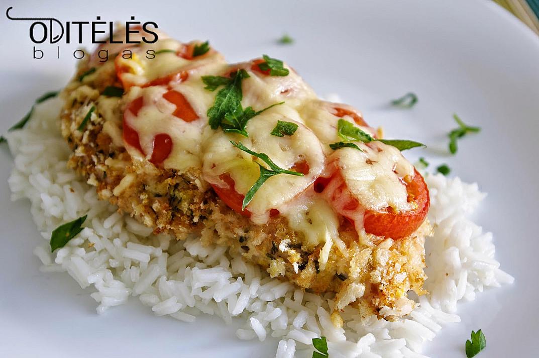 Orkaitėje keptas vištienos kepsnys su sūriu ir vyšniniais pomidorais
