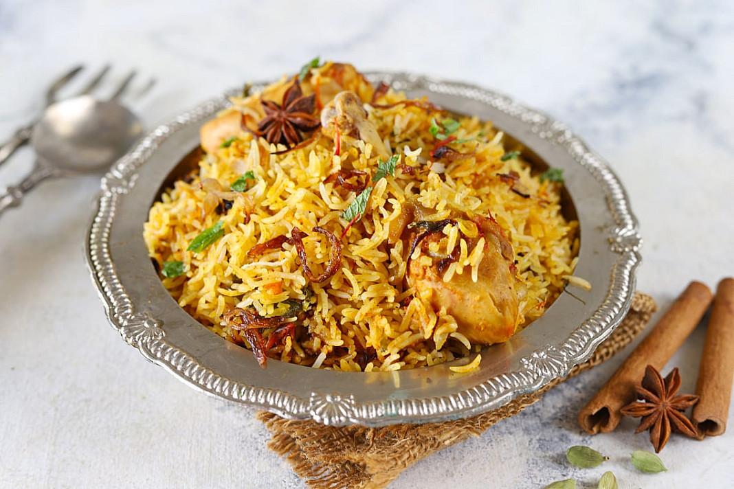 Vištienos biryani - indiškas plovas su basmati ryžiais