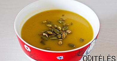 Moliūgų ir obuolių sriuba