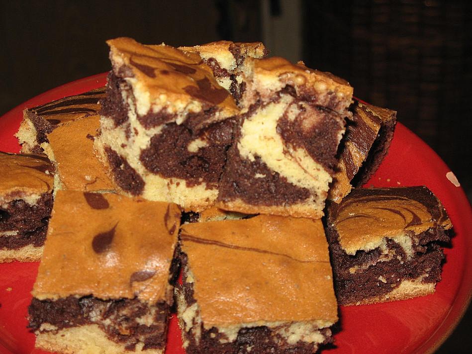 Простой и дешевый красочный торт со сметаной