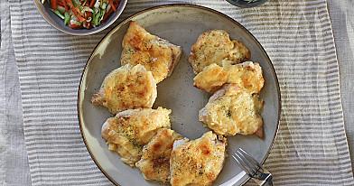 Greitai pagaminami vištienos kepsneliai su sūriu orkaitėje