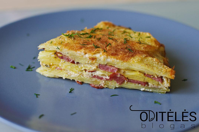 Картофельная запеканка с мясом, сливками и сыром