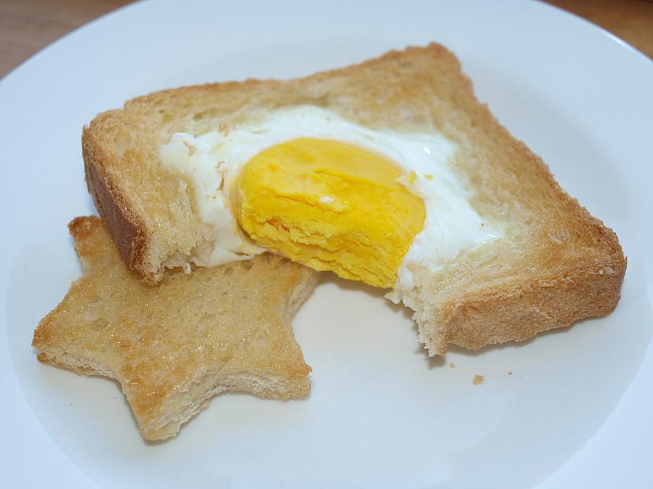 """Orkaitėje kepti karšti sumuštiniai su kiaušiniais """"Saulutės"""""""