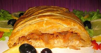 Sluoksniuotos tešlos žuvies pyragas