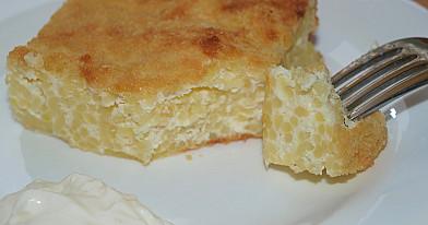 Makaronų kugelis - apkepas su varške, kiaušiniais, grietine ir džiūvėsėliais pagal Beatą