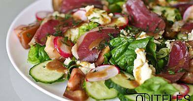 Greitos labai skanios salotos su rūkyta antiena ir mocarelos sūriu