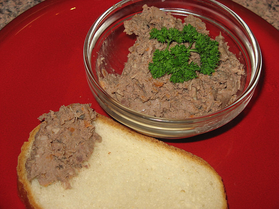 Naminė vištienos kepeninė (rupi)