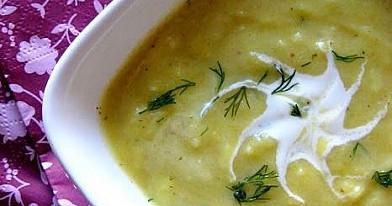Cukinijų sriuba su ryžiais ir citrina