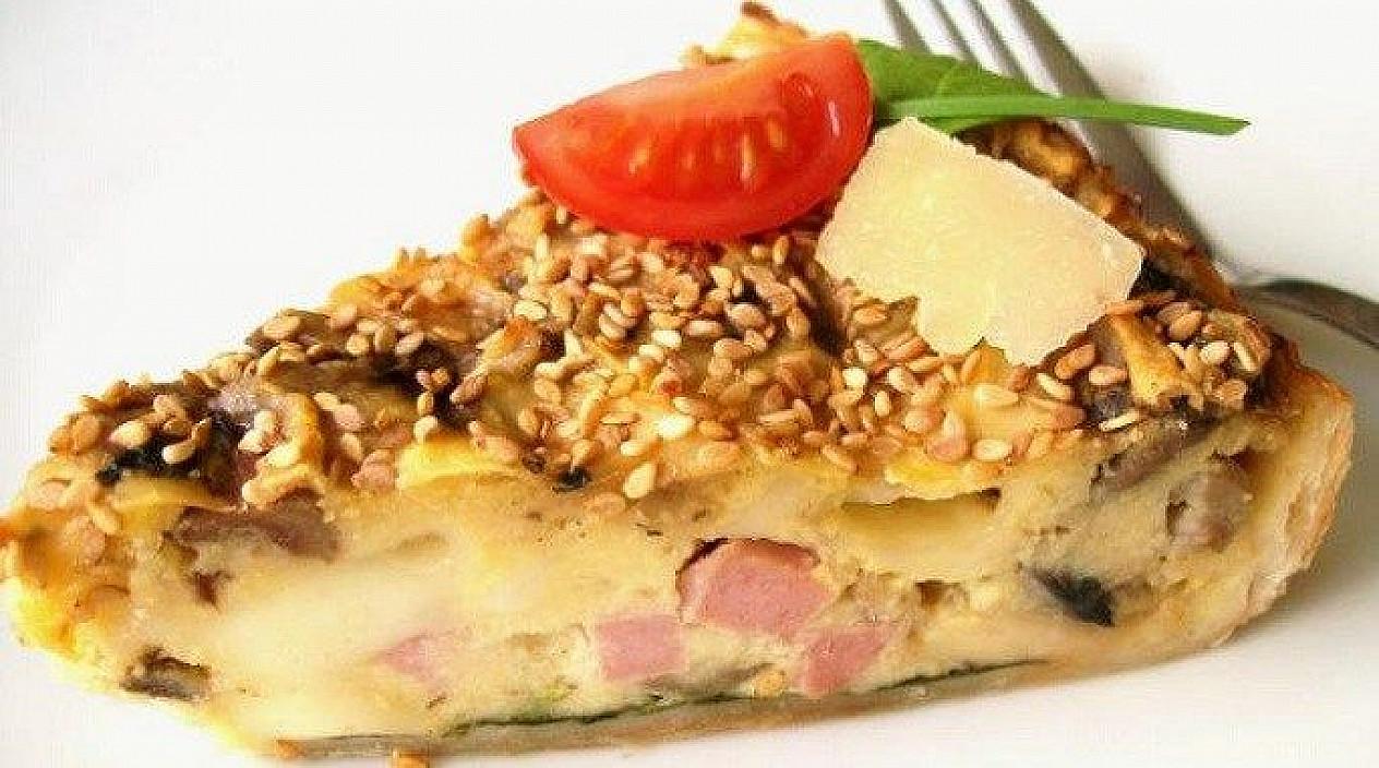 Daržovių, virtos dešros ir sūrio pyragas