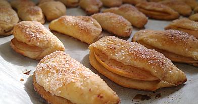 Очень вкусное творожное печенье с яблоками и корицей