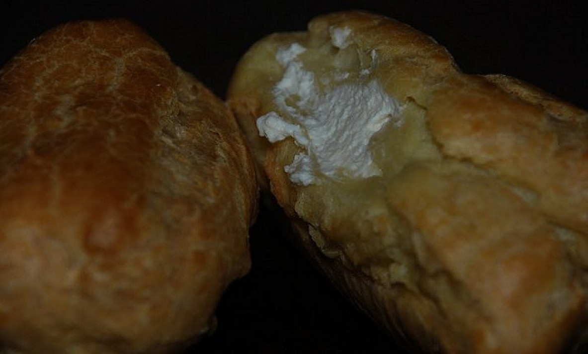 Eklerai su grietinėlės-varškės kremu