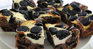 Kakavinis pyragas su sausainiais