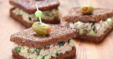 Vieno kąsnio sumuštiniai su tunu