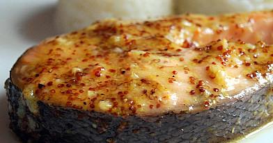 Лосось в духовке в медово-горчичном соусе