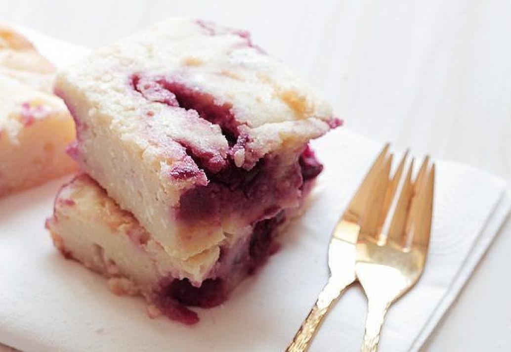 Vyšnių ir varškės pyragėliai