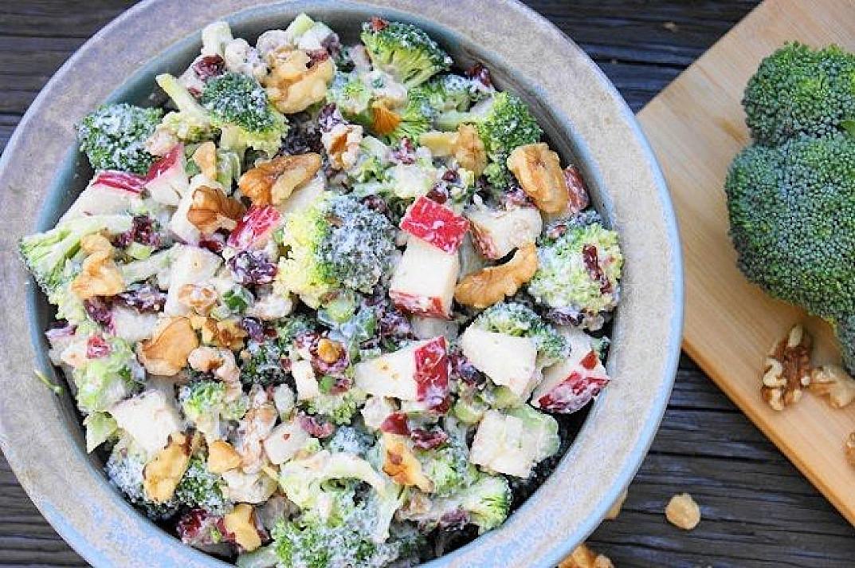Brokolių ir obuolių salotos   Receptas