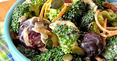 Broccoli and grapes salads