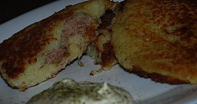 Kėdainių blynai arba bulviniai blynai su maltos mėsos įdaru