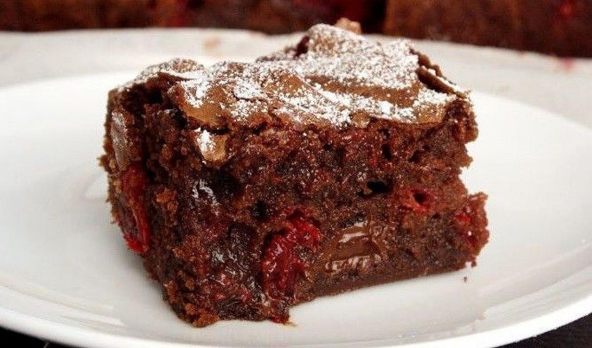 Šokoladinis pyragas su spanguolėmis   Receptas